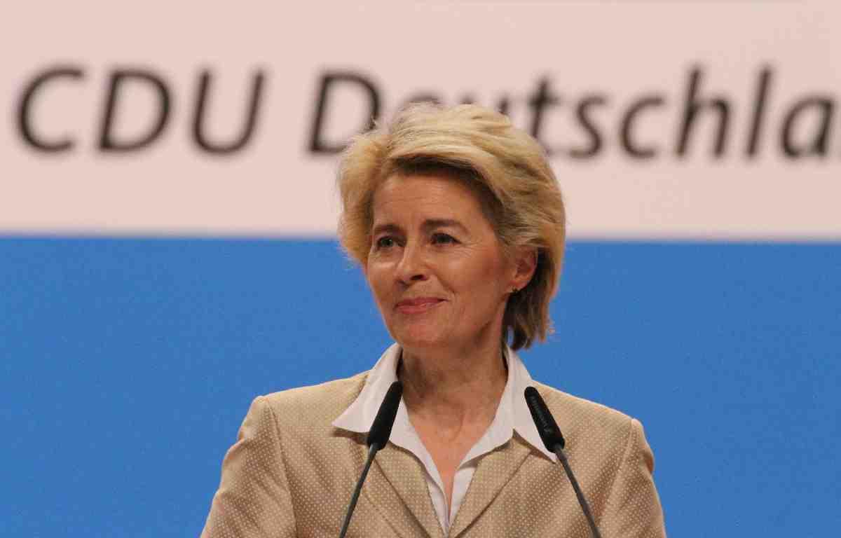 Almanya Savunma Bakanı İncirlik Üssü'ne geliyor