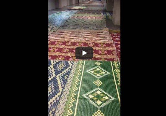 VİDEO | İstanbul Adalet Sarayı'nın koridorları cuma namazı öncesi camiye çevirildi