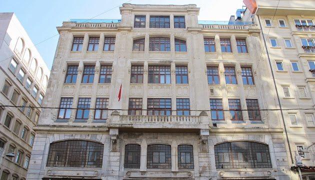 Gericilik adım adım: Beyoğlu Anadolu Lisesi karma eğitime son veriyor!