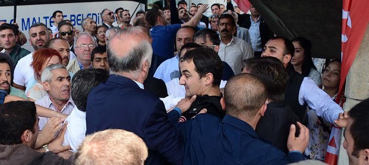 AKP'ye yürümek isteyen CHP'lilere polis engeli