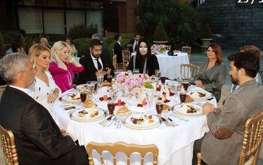 Ünlülerin katıldığı, sanatçıların katılmadığı Erdoğan yemeği