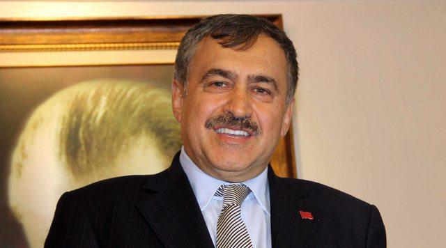 Bakan Eroğlu yine rahat: Yanan orman çok değil
