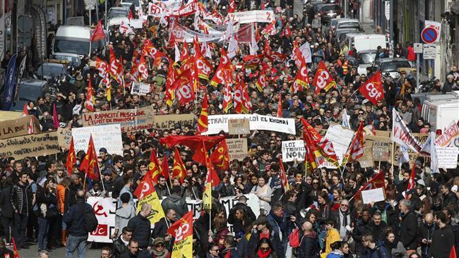 Fransa Türkiye'nin izinden: İş yasası yürürlükte