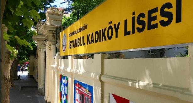 Kadıköy Lisesi Müdüründen öğrenciye taciz: Kıyafetin tahrik edici, orucum bozulur