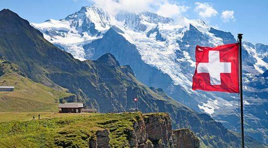 İsviçre vatandaşı olma koşullarının yumuşatılması referandumda kabul edildi