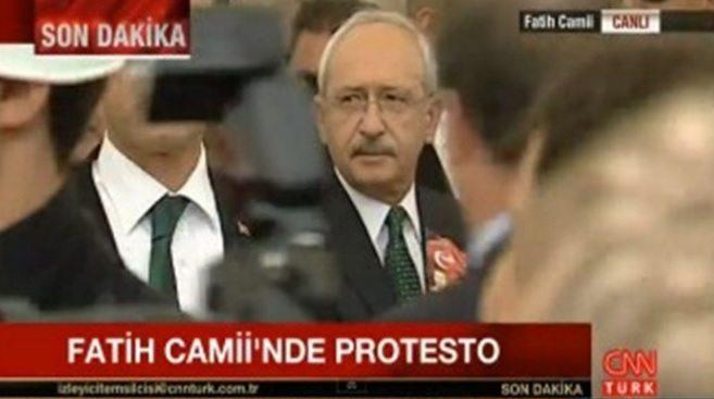 Ölen polislerin cenaze töreninde Kılıçdaroğlu'na protesto