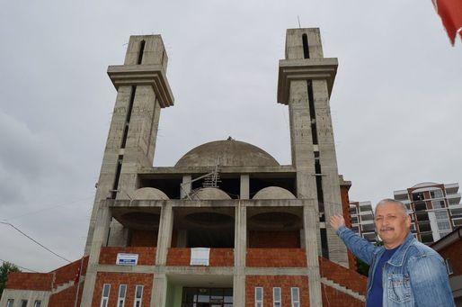 'Kiliseye benziyor' diye 10 yıldır bitirilemeyen cami...