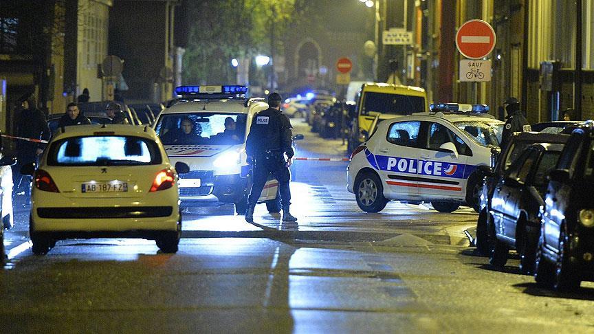 Paris'te kanlı saldırı: 'Tekbir' getiren saldırgan 2 kişiyi öldürdü!