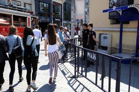 Taksim polis ablukasında