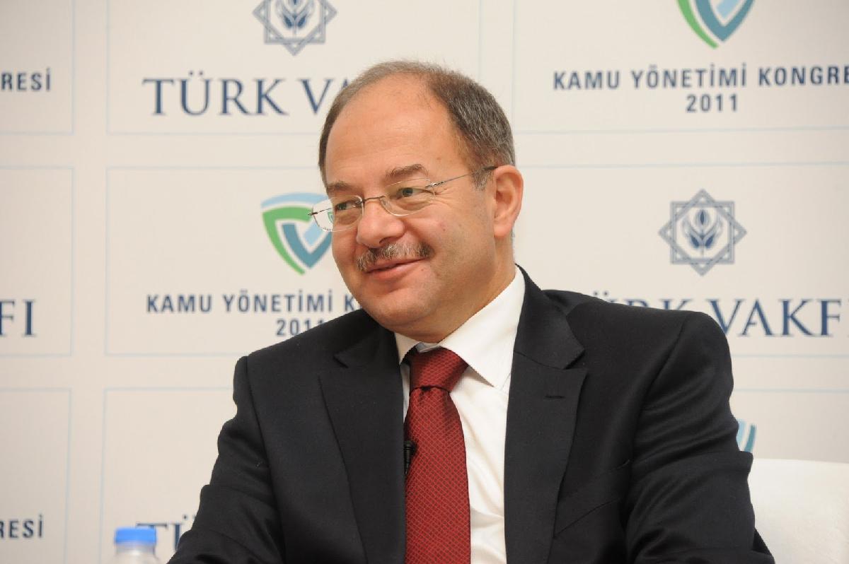 Sağlık Bakanı Akdağ uyuşturucuyla mücadele yöntemini anlattı: Sabah 4'lere kadar Narcos dizisini izledim