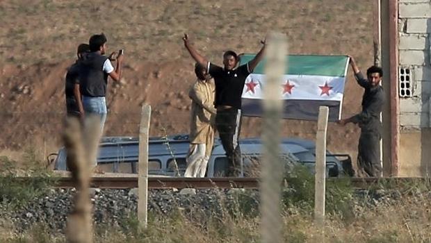 Suriye duyurdu: Hapisten kaçan 55 ÖSO'cu Türkiye'ye sığındı