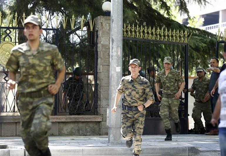 Polis Genelkurmay Başkanlığı'na girdi