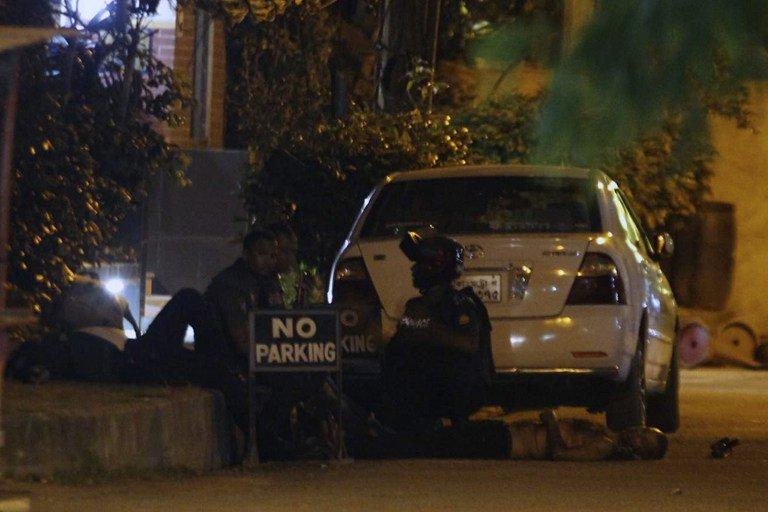 Bangladeş'te IŞİD saldırısı: 20 rehine hayatını kaybetti