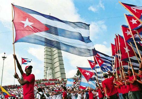 Küba sosyalist devlet işletmelerini güçlendiriyor