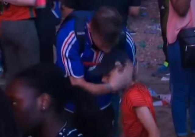 VİDEO | Ağlayan Fransız taraftarını küçük Portekizli böyle teselli etti