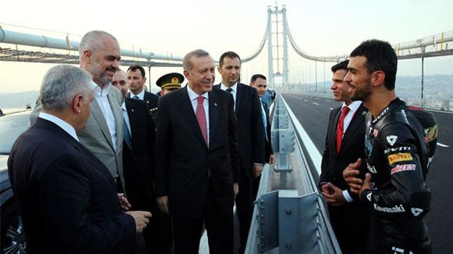 VİDEO | Erdoğan'dan Sofuoğlu ailesine'buz gibi' espri: Bu aileden kaldı mı ya?