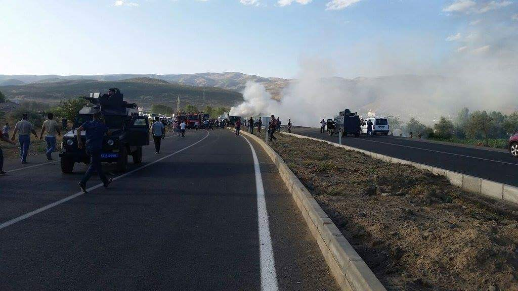 Bingöl'de çevik kuvvet otobüsüne saldırı: 5 polis hayatını kaybetti