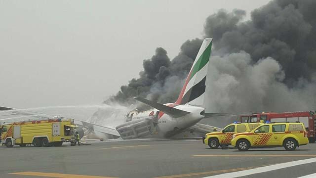 VİDEO | Emirates uçağında yangın