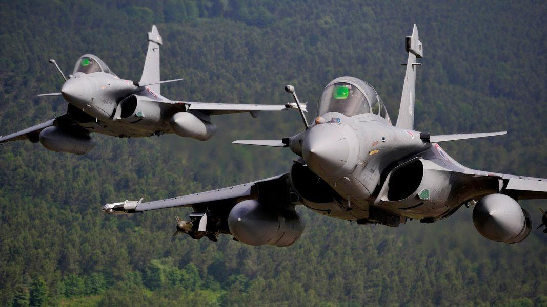 Fransa Rakka'yı bombaladı