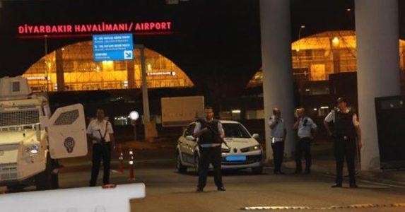 Diyarbakır Havalimanı'na roketatarlı saldırı