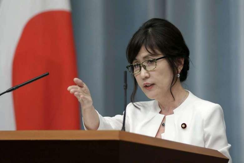 """Japonya'ya """"pasifist olmayan"""" Savunma Bakanı dönemi"""