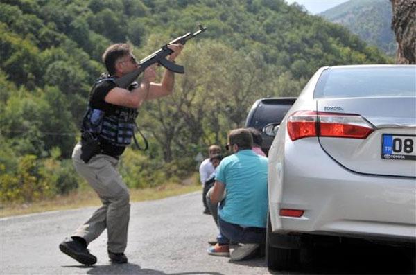 Kılıçdaroğlu'nun konvoyuna saldırıda 1 asker yaşamını yitirdi
