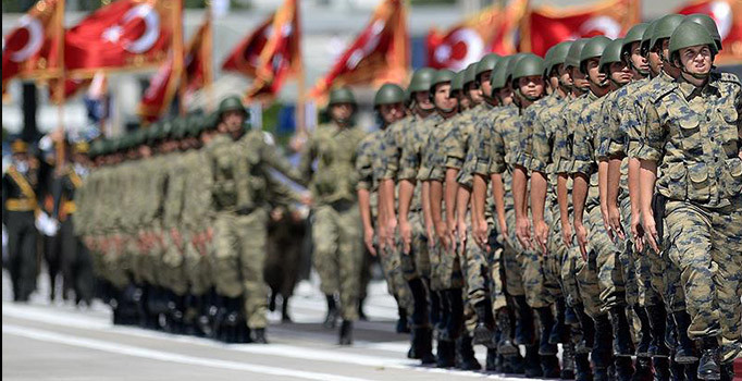 TSK'da yeni ihraç dalgası: 200'den fazla asker meslekten atıldı