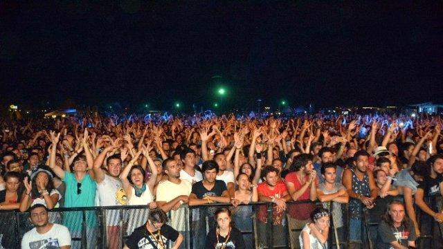 Rock festivaline 'OHAL' darbesi