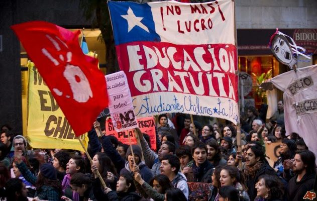 Şili'de öğrenciler parasız eğitim talebiyle sokaklara çıkacak