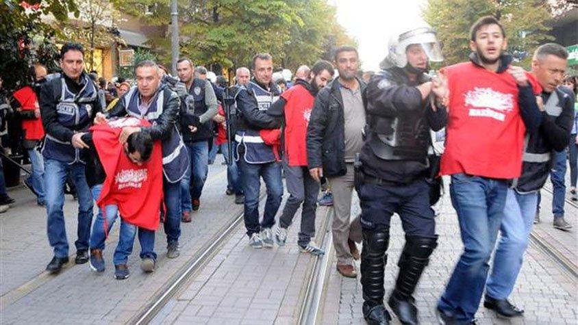 VİDEO | Eskişehir'de Birleşik Haziran Hareketi'nin bildiri dağıtımına polis saldırısı