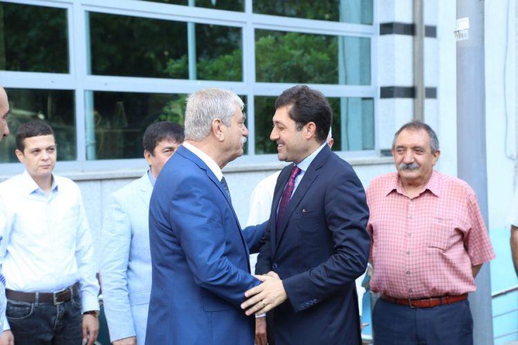 Mehmet Ağar'a plaket veren işçi düşmanı Beşiktaş Belediye Başkanı ile DİSK Başkanı el ele