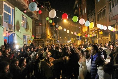 İçişleri Bakanlığı tüm ülkede sokak eğlencelerini yasakladı