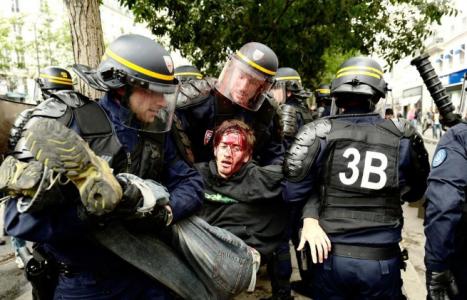 VİDEO | Fransa'da emekçilere polis terörü!