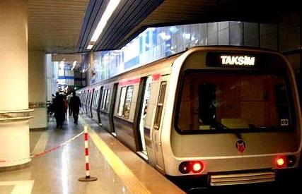 Raylara atlayan bir kişi hayatını kaybetti, metro seferleri durduruldu