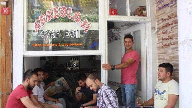 Türkiye'den insan manzaraları: İşsiz arkeolog 'Arkeoloji Çay Evi' Açtı