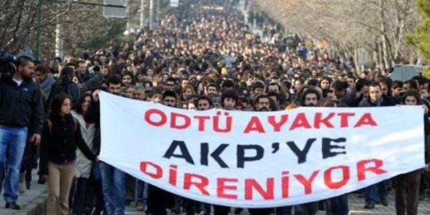 ODTÜ'de açılan pankart nedeniyle üç kişi gözaltına alındı