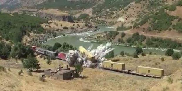 Amanoslar'da yük trenine saldırı