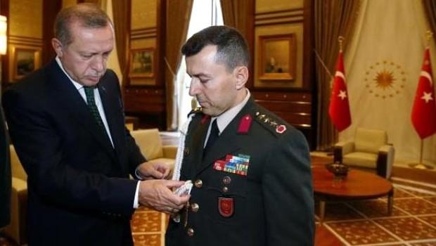 Erdoğan yaverini çakıyla sınadı iddiası: