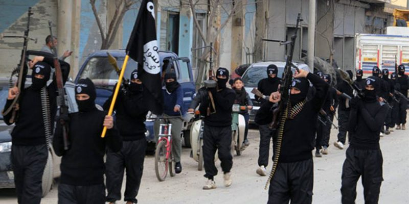 IŞİD Musul'da 550 aileyi kaçırdı!