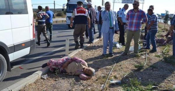 Balıkesir'de işçi minibüsü kaza yaptı: 18 yaralı