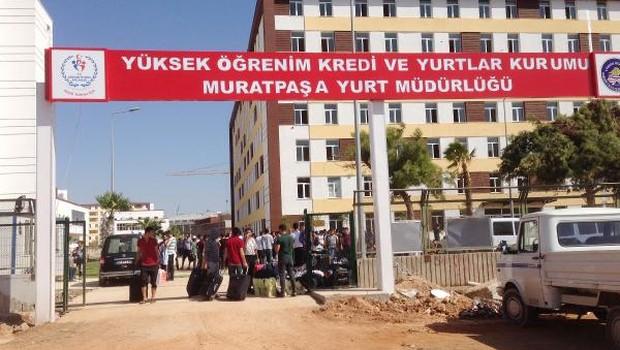 Antalya KYK yurdunda yol yok, güvenlik yok, odalar inşaat halinde... Öğrenciler tepkili