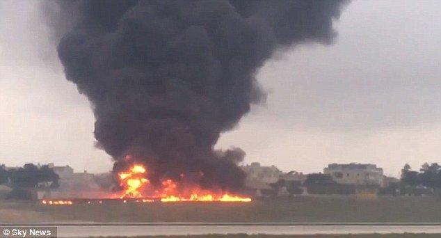 VİDEO | AB yetkililerini taşıyan uçak düştü
