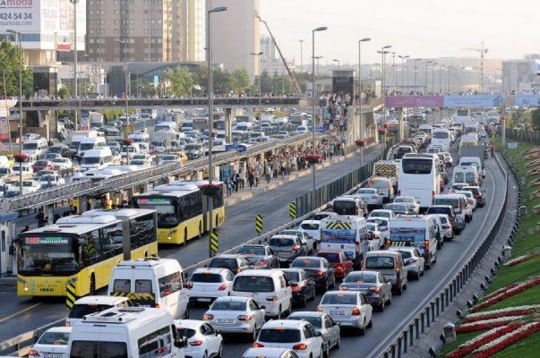 İstanbullular dikkat... Bu yollar bir hafta boyunca trafiğe kapalı olacak