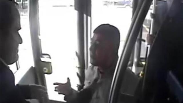 Metrobüs şöförüne şemsiyeyle vuran Akbulut: Cezaevinde zorla tuvalet temizletiyorlar