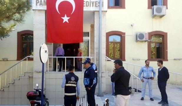 Belediyede silahlı saldırı: Başkan Yardımcısı vuruldu