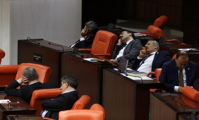 Milletvekilleri maaşlarına 'asgari ücret' değerinde zam yaptı!