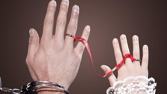 Zorla evlendirilmek istenen çocuk polisi aradı, tüm aile gözaltında
