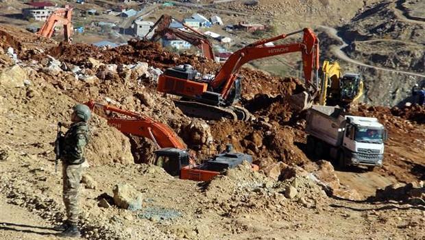 Şirvan'da Ciner Grubu'na ait madende yine heyelan!