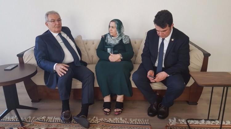Deniz Baykal'dan Ahmet Türk'ün ailesine ziyaret