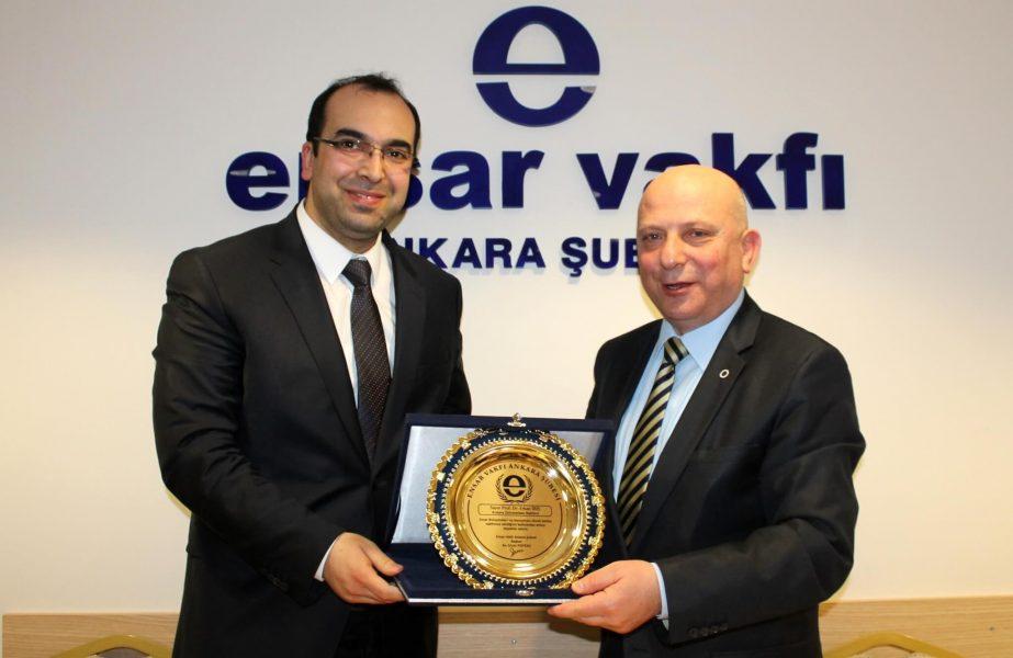Ankara Üniversitesi Rektörü hükümet temsilcisi gibi konuştu